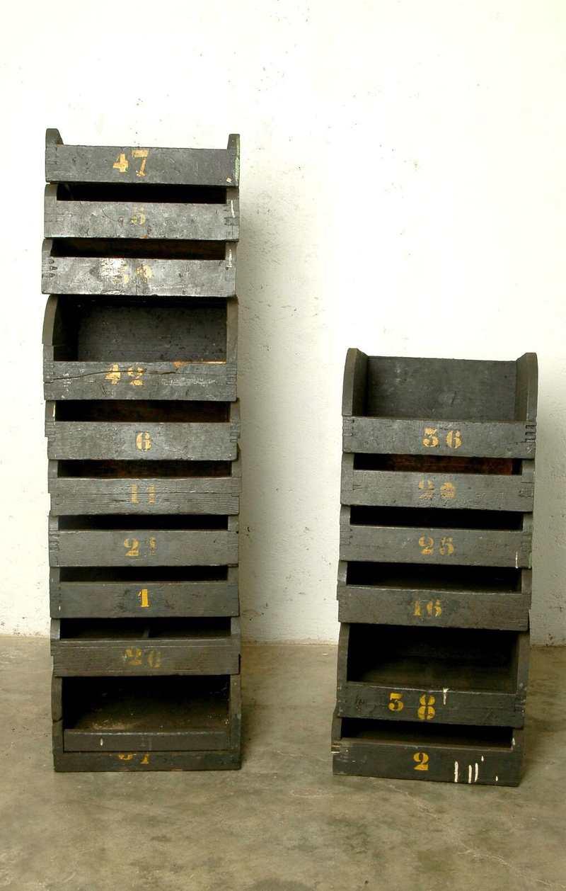 Cassetti industriali in legno vintage laboratorio vintage for Mobili industriali vintage