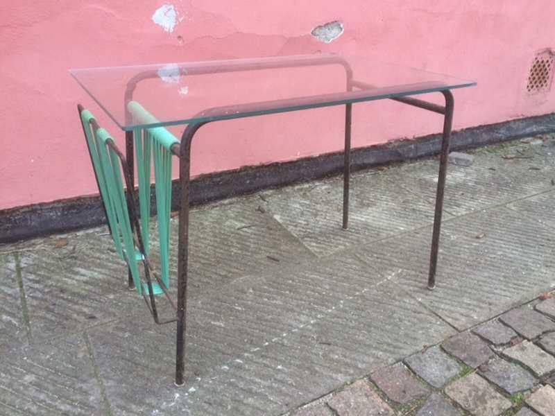 Tavolino anni 50 con portariviste h46 l60 p39 for Tavolino anni 60 design