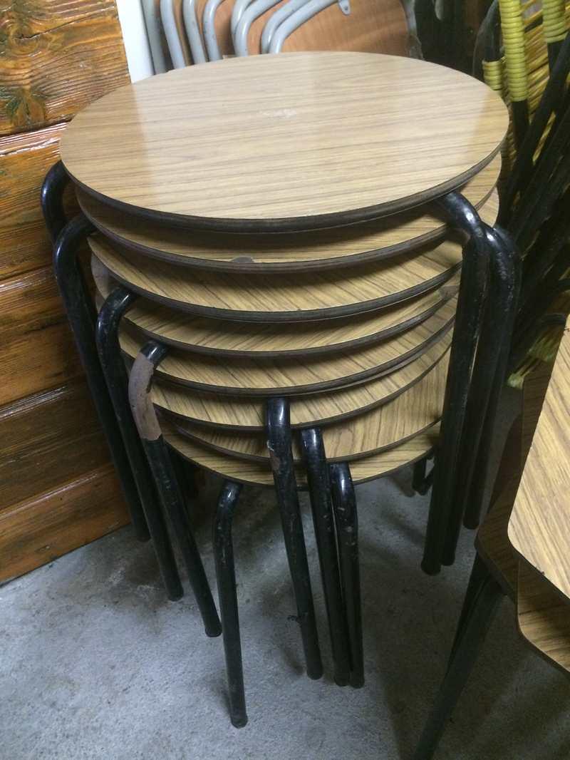 Tavolini da bar anni 70 in formica esagonali e tondi - Mobile bar anni 70 ...