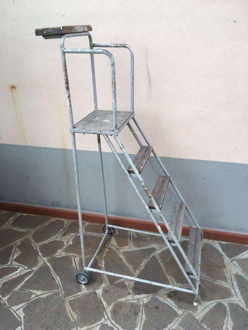 Scala con ruote vintage laboratorio vintage - Ruote per mobili vintage ...