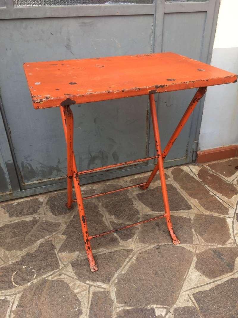 Tavoli in ferro vintage H74 LxL 65×45 SOLO NOLEGGIO – Laboratorio Vintage