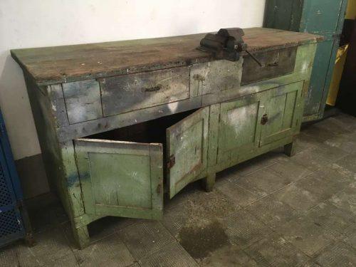 Tavoli Da Lavoro Vintage : Banco da lavoro industriale vintage h l p