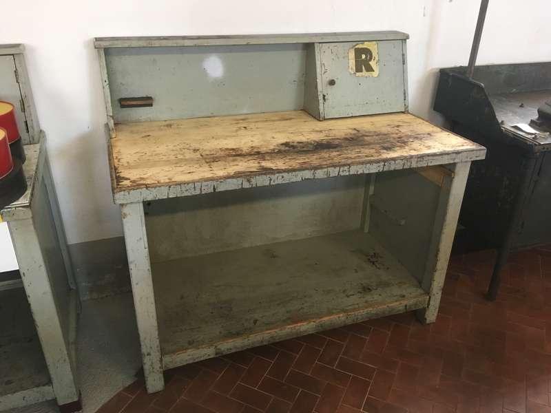 Tavoli Da Lavoro Vintage : Banco da lavoro industriale vintage piano h htot l