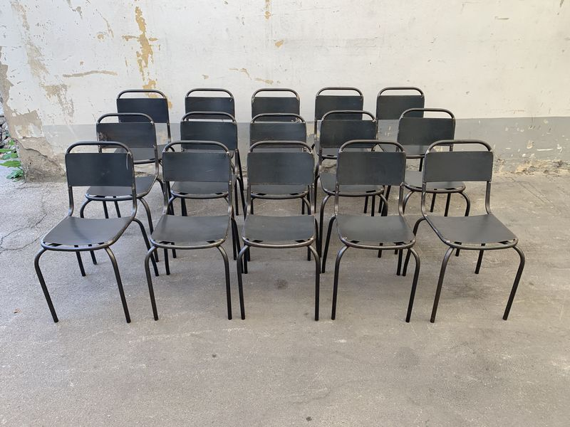 Sedie nostra produzione stile industriale impilabili for Produzione sedie